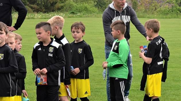 Malé fotbalisty povedou profíci. V Tvrdonicích je navštíví i Lafata