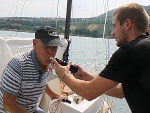 Kontroly plavidel: za alkohol hrozí postih plavcům nebo i při jízdě na šlapadle