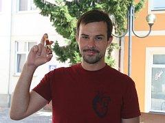 Petr Sůkal z Břeclavi má netradiční koníček. Pěstuje nejpálivější chilli papričky na světě.