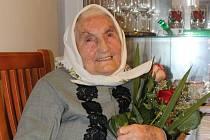 Františka Balgová z Tvrdonic v neděli oslavila sté narozeniny