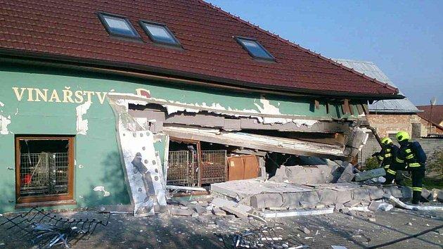 Exploze domu v Perné na Břeclavsku