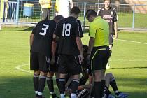 Hráči MSK (v bílém) vzdorovali HFK Olomouc jen padesát minut.