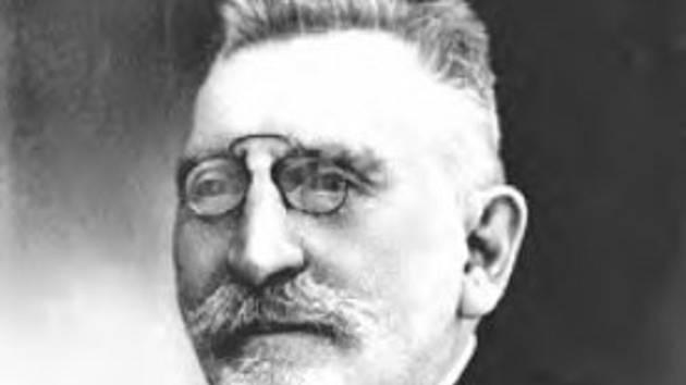Pedagog a vlastivědný pracovník Josef Matzura působil v Mikulově.