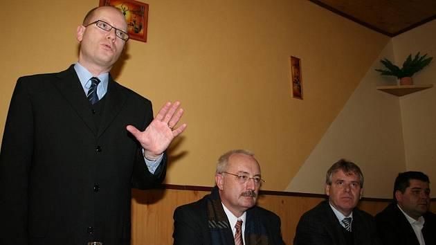 Místopředseda ČSSD Bohuslav Sobotka v Besedním domě v Podivíně.