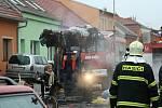 Vyhořelý dům břeclavské sběratelky oblečení.