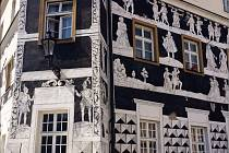 Sgrafitový dům na mikulovském Náměstí se dočká oprav. Náklady činí zhruba dva miliony korun.