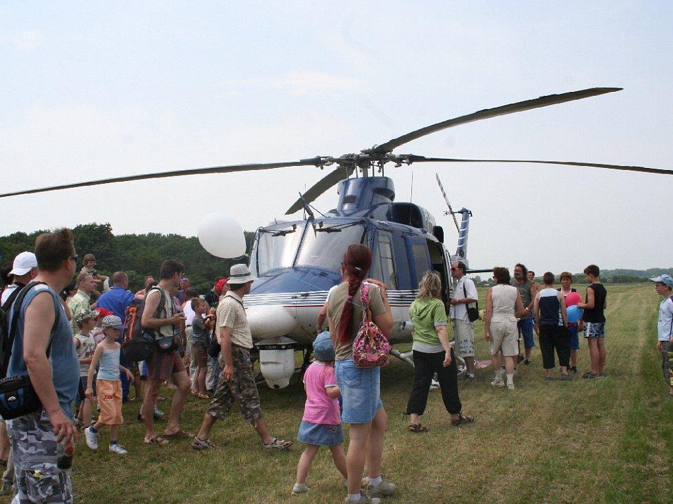 Letecký den břeclavského aeroklubu.