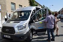 Nové auto od společnosti Fosfa pomůže dětem z Bilicula.