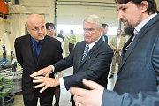 Ladnou navštívil v úterý americký velvyslanec Stephen King. Zamířil do společnosti Alba Metal, která se zabývá produkcí drátěného programu do sedaček osobních aut.