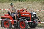 Závod traktorů. Ilustrační foto.