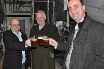 Princ Wolfgang z Lichtenštejnu navštívil Břeclav. Nejvíce na něj zapůsobila prohlídka Zámeckého pivovaru. Od majitele pivovaru Radka Horáka navíc dostal pivní speciál, který dosud získal darem pouze prezident České republiky.