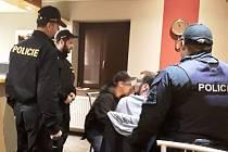 Policisté na Břeclavsku kontrolovali podniky. Narazili na osm mladistvých pod vlivem alkoholu.