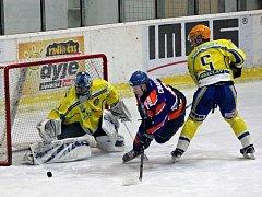 Hodonínský Charvát v poslední derby Zelenku dvakrát překonal.