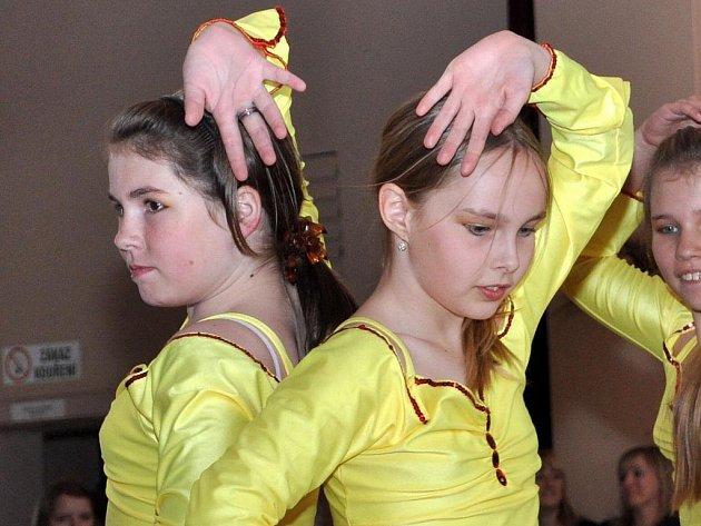 Čtrnáctý ročník hustopečské nesoutěžní taneční přehlídky Krok – Sun – Krok