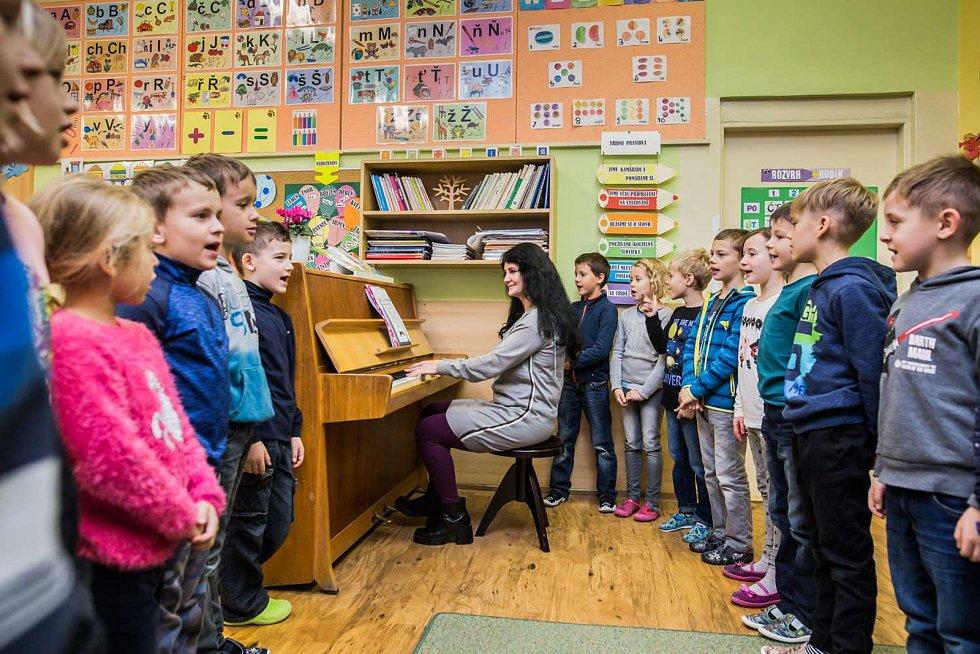V Základní škole Hustopeče v Nádražní ulici se vzdělává téměř 350 žáků v šestnácti třídách.