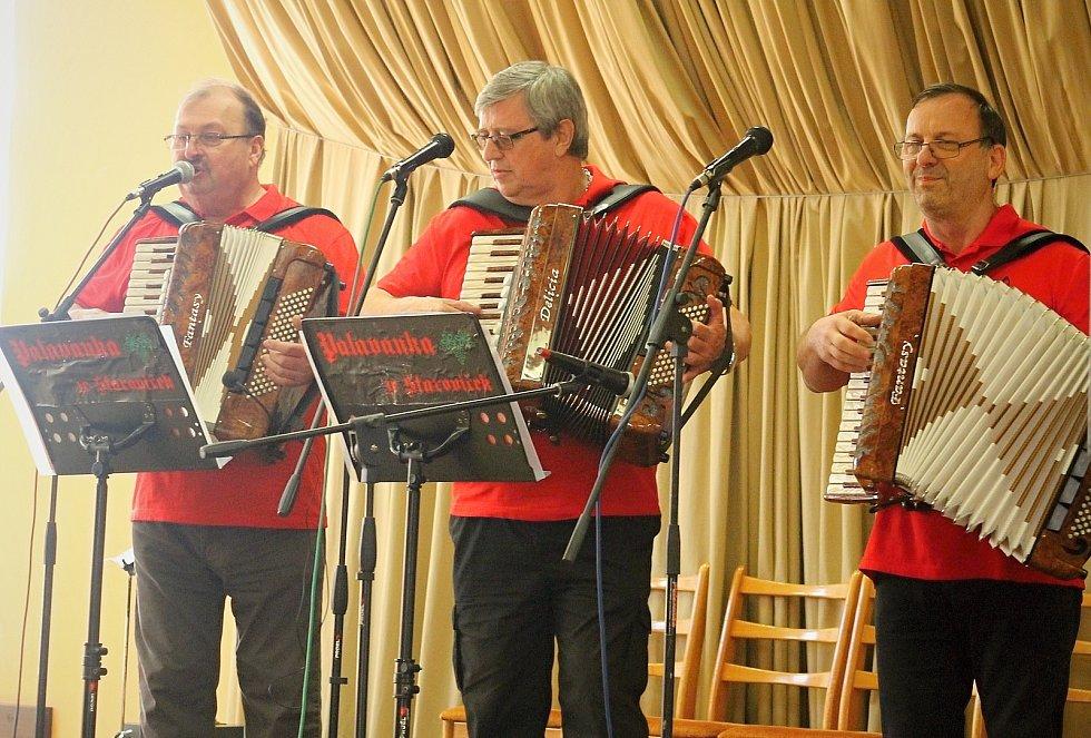 První ročník přehlídky harmonikářů mají za sebou ve Starovičkách. Na snímku Chlapci z Moravy.
