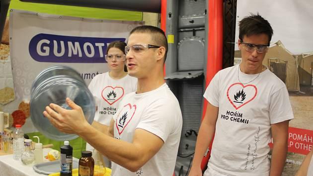 Břeclavský fortel ve čtvrtek navštívily stovky studentů ale i zájemci o práci.