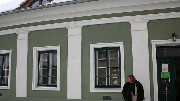 Měšťanský dům v Mikulově z osmnáctého století už stál jeho majitelku čtyři a půl milionu korun. Jitka Plesz, která žije převážně ve Vídni, si starý dům vyhlédla v roce 2007.
