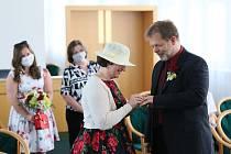 Novomanželé si řekli své ano v břeclavské obřadní síni.