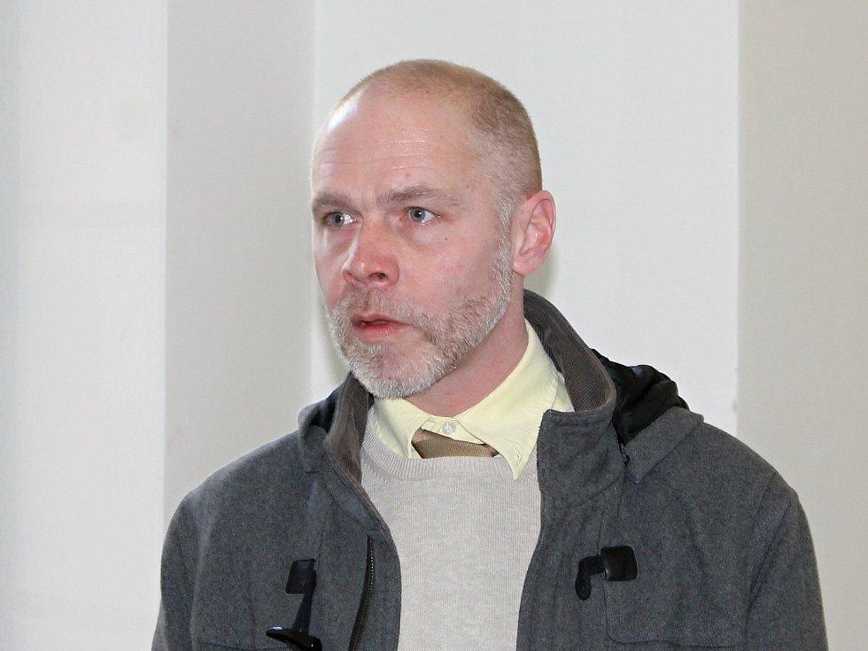 Bývalý kastelán valtického zámku Michal Tlusták u břeclavského okresního soudu. Ilustrační foto.