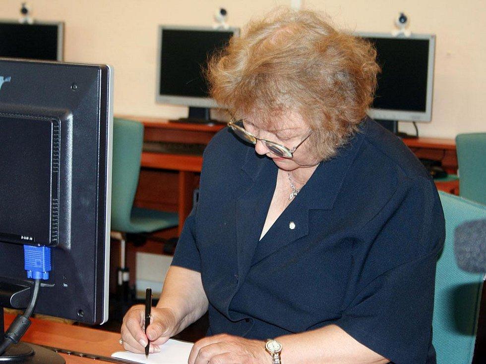 Počítačový kurz pro důchodce v Břeclavi.