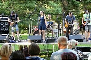 Kapela Yantar vystoupila v městském parku v Břeclavi