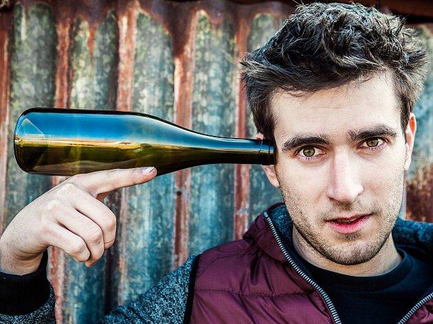 Vinař Milan Nestarec se řadí ktěm, kteří vyrábějí naturální vína.