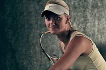 Tenistku Lindu Dubskou po zranění tenis opět baví.