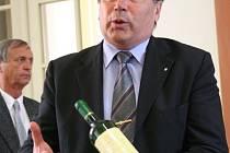Ředitel Vína Mikulov Jaroslav Hlaváč představuje šampiona mezi bílými víny.