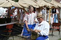 Den řemesel nabídl mnoho stánku s řemeslnými výrobky i doprovodný zábavný program.