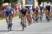 Letošní ročník cyklistického závodu GP Racio Břeclav přinesl tvrdé boje o nejvyšší příčky v mnoha kategoriích, ale i trochu odlehčenější závod nákladních kol Cargo bike.