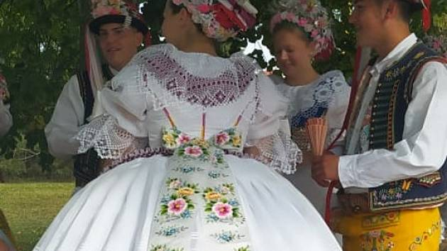 Tradiční krojované hody ve Velkých Bílovicích.