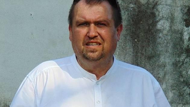 František Trávníček představil svoji novou knihu Se sokolem na klopě o generálovi Josefu Slunském.
