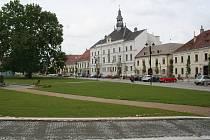 Úpravy valtického náměstí Svobody.