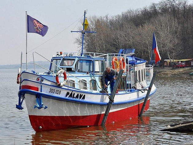 Loď Pálava lidi na svou palubu nabere už o tomto víkendu.