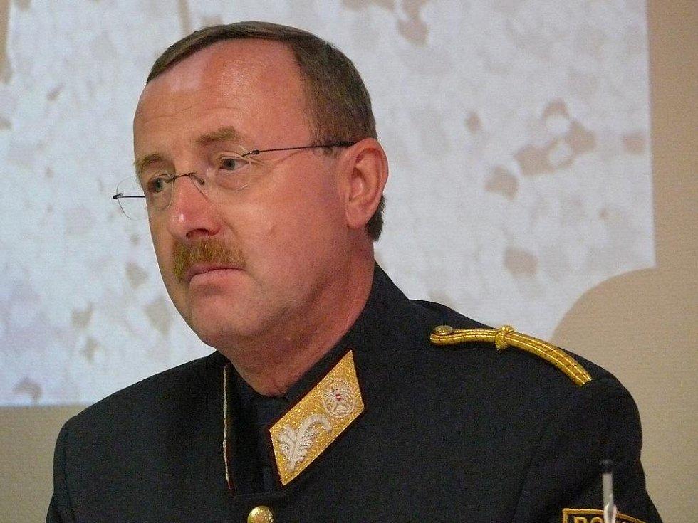 Bezpečnostní ředitel policie Dolního Rakouska Franz Brucher.