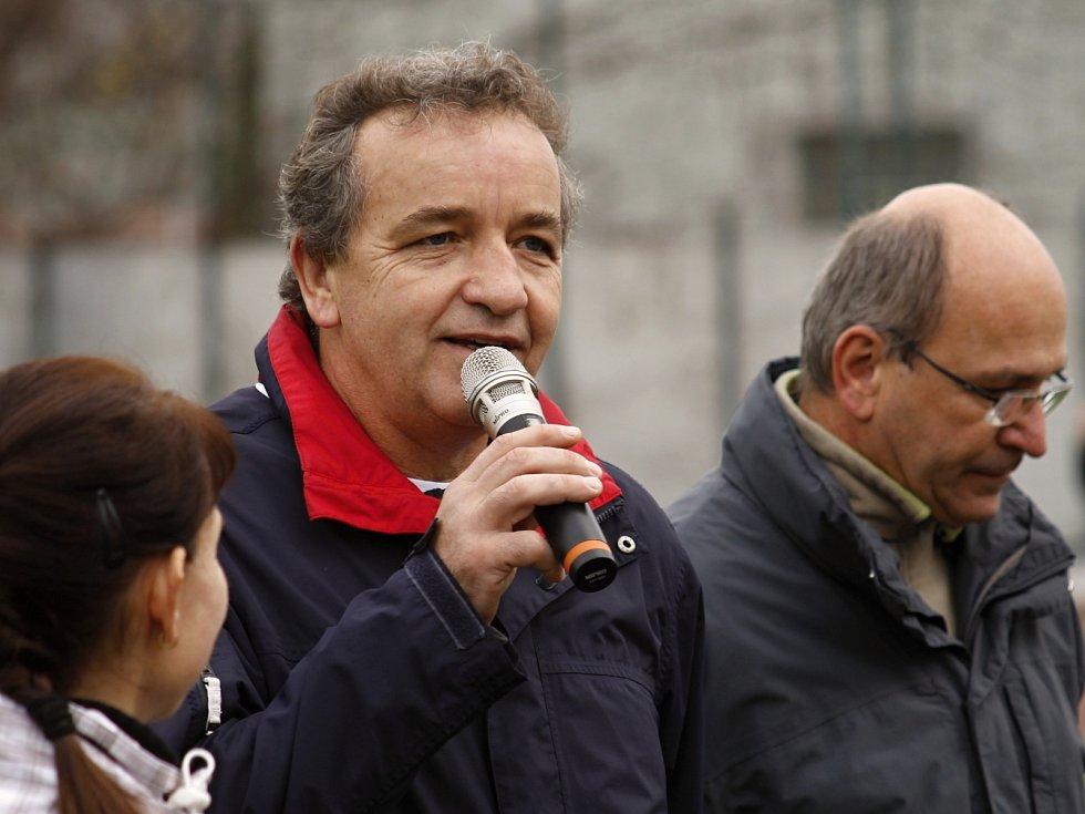 Exstarosta Velkých Pavlovic Pavel Procházka (uprostřed).