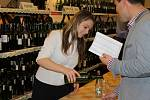 Milovníci vín zavítali v sobotu na výstavu vín mikulovské vinařské podoblasti. Ochutnávali z více než šesti set vzorků.