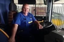 Jaroslav Kulíšek z Krumvíře zasvětil život opravám autobusů, zaměstnavatele nikdy nezměnil.