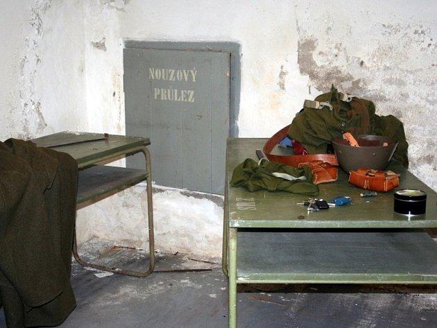 Poklady z doby studené války skrývá i břeclavský protiatomový bunkr pod bývalým městským národním výborem.
