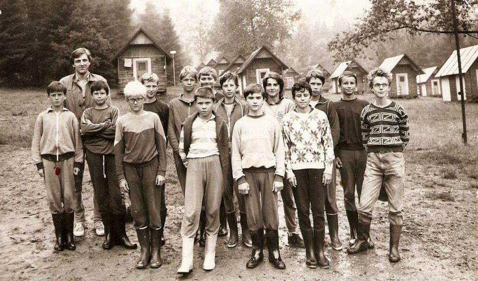 BŘEZŮVKY. Děti zaměstnanců Gumotexu jezdily také pravidelně na letní třítýdenní pionýrské tábory do Březůvek na Zlínsko.