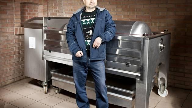 Osmačtyřicetiletý vinař Jan Garčic z Pavlova se řídí pravidlem: Vypěstovat co nejkvalitnější hrozny a z těch vyrobit co nejlepší víno.