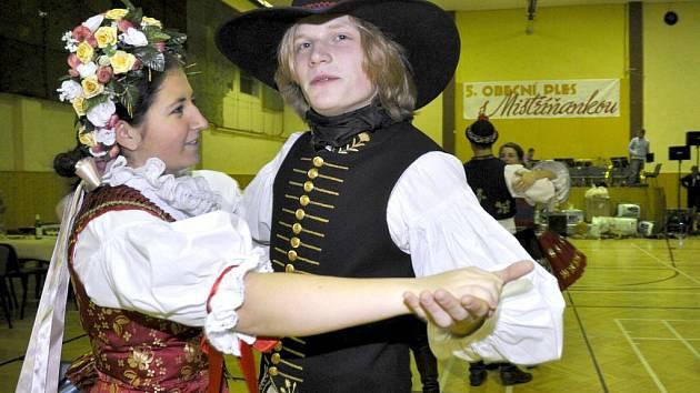 Obecního ples ve Vranovicích se nesl ve znamení zábavy, tance i tomboly..
