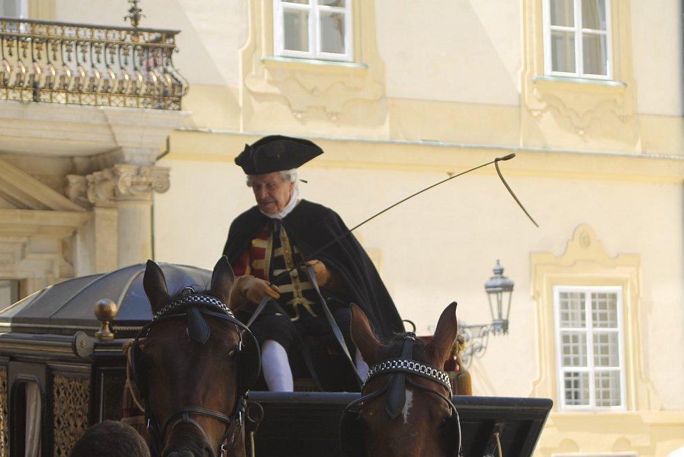 Natáčení druhé řady Marie Terezie na zámku ve Valticích, 2019.