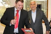 Ve Velkých Bílovicích pokřtili novou knihu o tamním vinařství. Kmotrem se stal známý herec Miroslav Donutil.
