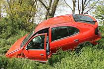 Nehoda Renaultu u Dolních Bojanovic.