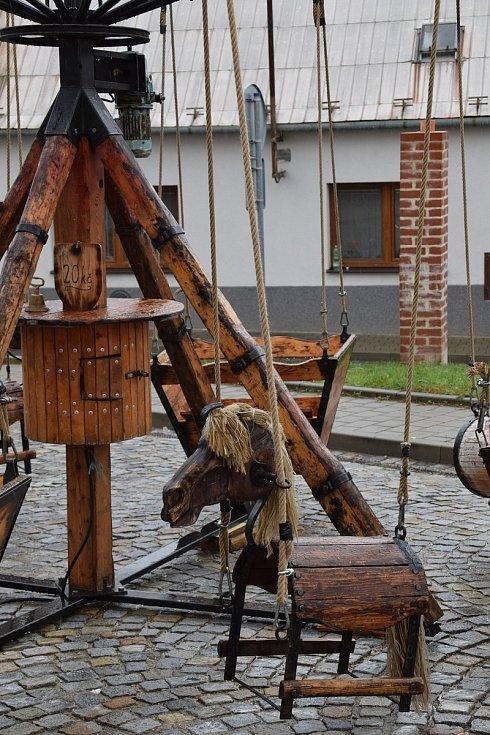 Burčákové slavnosti v Hustopečích střídavě doprovázel déšť a slunce.