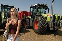 Den zemědělce na polích u Šakvic.