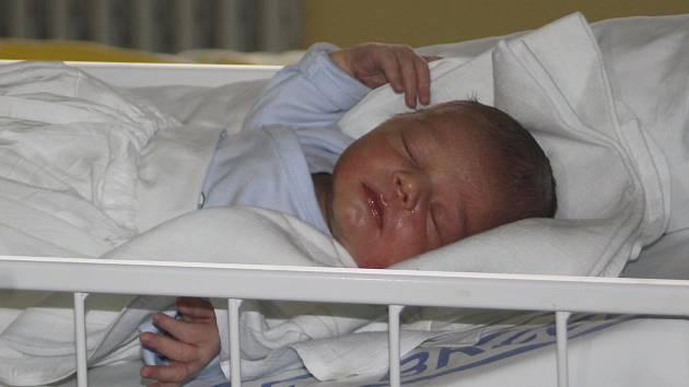 Prvním miminkem roku 2019 na jižní Moravě je Jiří. Narodil se šestadvacet minut po půlnoci. Měříl 54 centimetrů, vážil 4230 gramů.