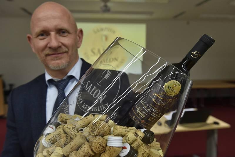 Šampionem Salonu vín České republiky 2020 se stalo Rulandské modré od Zámeckého vinařství Bzenec.